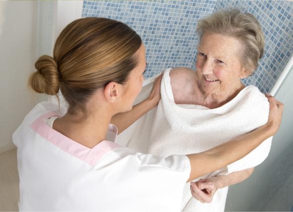Ways to Increase Safety While Bathing the Elderly